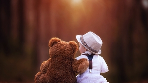 Child Teddy Bear 3840x2559 Wallpaper