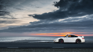 Vehicles Porsche 2048x1152 Wallpaper
