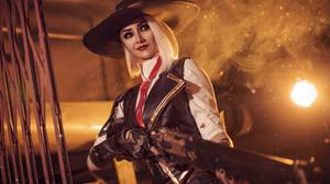 Kristina Borodkina Women Overwatch Cosplay Ashe Overwatch Hat Weapon Shotgun Red Eyes Silver Hair Sm 2500x1667 Wallpaper