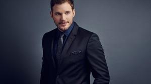 Actor American Chris Pratt Man Suit 2560x1828 Wallpaper