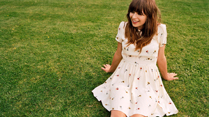 Gabrielle Aplin Women Singer Brunette Young Woman Grass Laughing 2000x1500 wallpaper