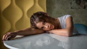 Yuriy Lyamin Ksenia Kokoreva Women Brunette Looking At Viewer Blouse White Clothing Table Painted Na 1422x800 Wallpaper