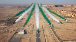 Air Show Aircraft Bae Systems Hawk Desert Smoke 2048x1152 wallpaper