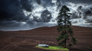Barn Cloud Field Tree 2000x1334 wallpaper