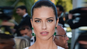 Adriana Lima Blue Eyes Brazilian Earrings Face Model 4052x2372 Wallpaper