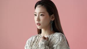 Kim Taeyeon SNSD Taeyeon K Pop Singer Korean Women Women 2500x1667 Wallpaper