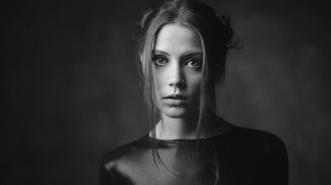 Alexey Kishechkin Women Ksenia Kokoreva Brunette Looking At Viewer Portrait Monochrome 2560x1440 Wallpaper