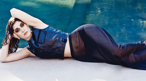 Lizzy Caplan Actress Women Laying On Side Swimming Pool Hand On Face Hips 2048x1366 Wallpaper