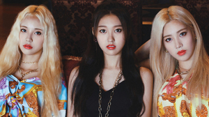 Asian Black Hair Blonde Brown Eyes Girl Band K Pop Korean Loona Band Woman 1920x1080 wallpaper