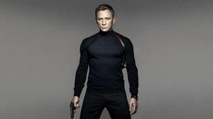 Daniel Craig James Bond Simple Background Movies Gun Men Actor Standing Gray Background 2559x1440 Wallpaper