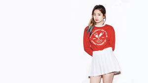 Twice K Pop Celebrity Asian Korean Korean Women Twice Dahyun Kim Dahyun Looking At Viewer 2560x1440 Wallpaper