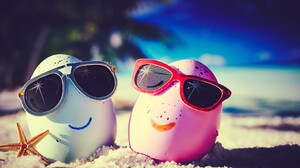 Beach Egg Summer Sunglasses 2880x1800 Wallpaper