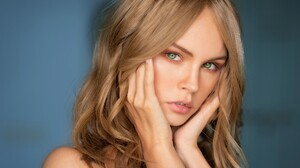 Anastasiya Scheglova Blonde Girl Green Eyes Model Russian Woman 2048x1367 wallpaper
