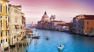 Venice Italy Gondola Canal 2560x1440 Wallpaper
