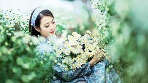 Asian Brunette Daisy Depth Of Field Girl Headband Model White Flower Woman 2048x1365 Wallpaper