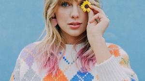 Taylor Swift Women Singer Blonde Blue Eyes Long Hair Flowers Frontal View Sweater 1024x1280 Wallpaper
