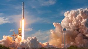 Falcon Heavy Rocketlaunch Rocket Smoke Fire Burning Digital SpaceX 2500x1667 Wallpaper