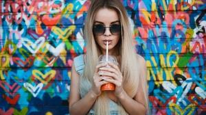 Woman Girl Blonde Long Hair Sunglasses 2000x1333 Wallpaper