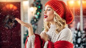 Blonde Girl Hat Lipstick Model Mood Snowfall Woman 2121x1414 Wallpaper