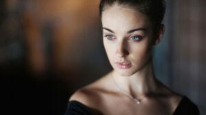 Alla Berger Blue Eyes Brunette Model Woman 2000x1330 wallpaper
