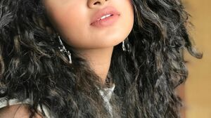 Anupama Indian Actors Curly Hair Model Celebrity Women Face Makeup Black Hair Women Indoors Looking  1080x1349 Wallpaper