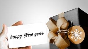 Christmas Gift Hand New Year 3082x2041 Wallpaper