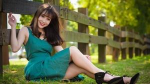 Model Dress Brunette Smile 2560x1709 Wallpaper