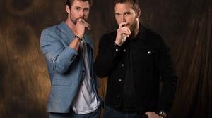 Actor American Chris Hemsworth Chris Pratt 2000x1385 Wallpaper
