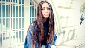 Jasmine Thompson Women Singer Brunette Long Hair Outdoors Urban Women Outdoors Jeans Jacket Jasmine 2500x1667 Wallpaper