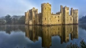 Bodiam Castle Building Castle England Lake Reflection 2048x1365 wallpaper