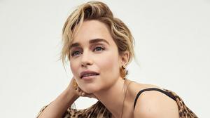 Actress Blonde Earrings Emilia Clarke English Short Hair 3840x2160 Wallpaper
