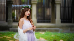 Wreath Woman Model Girl Depth Of Field Brunette Long Hair 6000x4002 Wallpaper