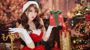 Woman Model Girl Gift Brunette Christmas 3650x2257 Wallpaper