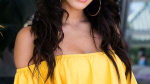 Yovanna Ventura Women Model Brunette Long Hair Latinas Dark Hair 1280x1920 Wallpaper
