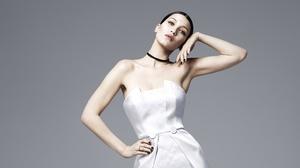 Model Dress Brunette 3840x2160 Wallpaper