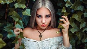 Blonde Blue Eyes Girl Model Stare Woman 2000x1333 wallpaper