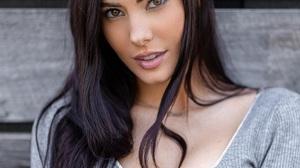 Erin Olash Model Celebrity Dark Hair Zabu Mutua Long Hair Grey Clothing Portrait Looking At The Side 1028x1280 wallpaper