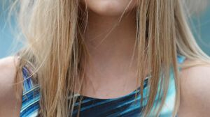 Isabelle Szyman Women Model Blonde Long Hair Face Fashion Women Outdoors 1280x1917 wallpaper