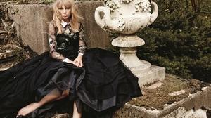 American Blonde Singer Taylor Swift 4019x2680 Wallpaper